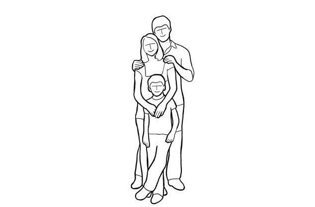 در این ژست عکاسی اعضای خانواده میتوانند به صورتهای مختلف از جمله به حالتی که در تصویر مشاهده میکنید، ژست بگیرند.